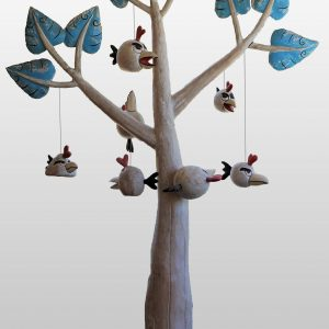 Sculpture en bois : Tree and birds par l'artiste peintre Teja Astawa