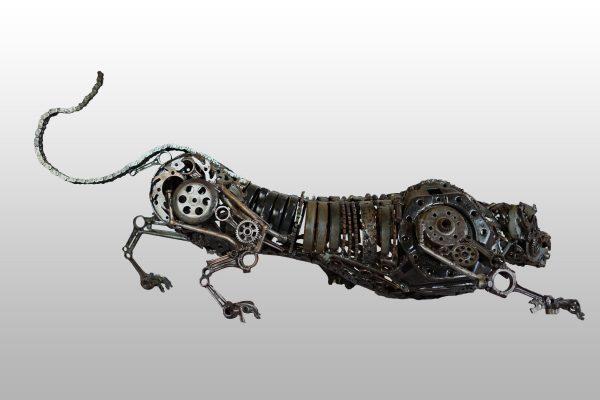 Sculpture en acier : Doberman par l'artiste sculpteur Wawan Gondrong